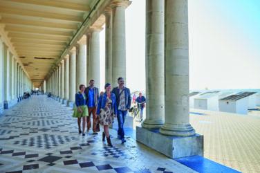 Ostend's marble pillars